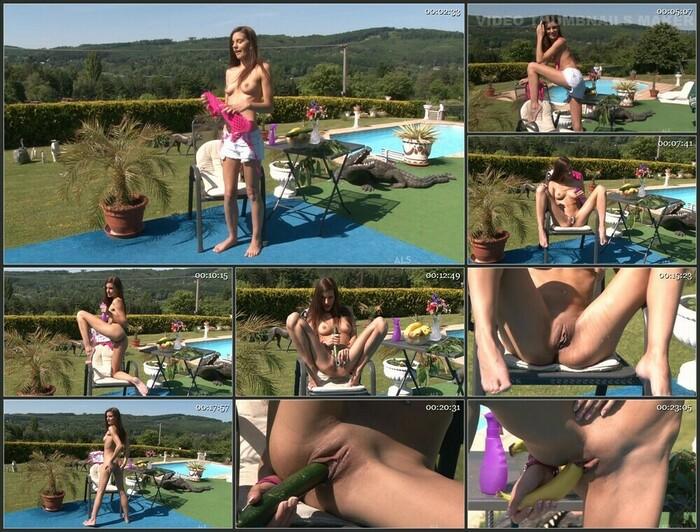 Candice Luca & Gina Devine (Full HD)