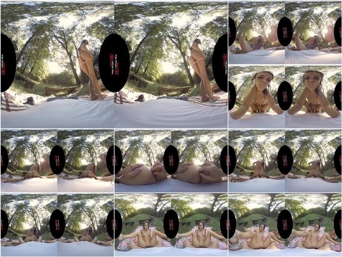 Virtualrealporn presents Au Naturel with Cindy Shine