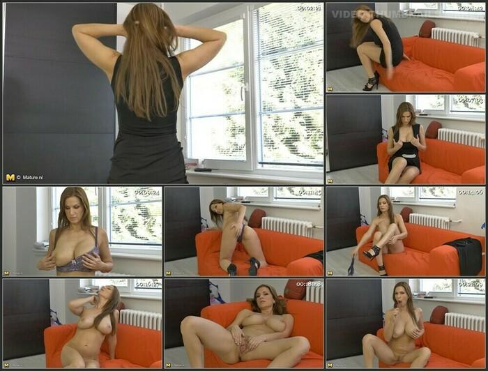 Carol Goldnerova (HD)