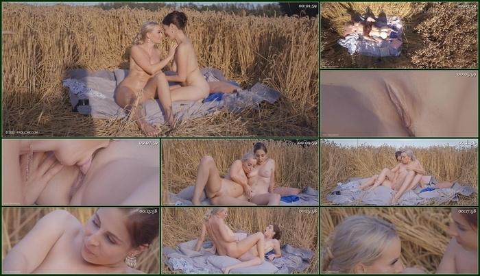 Frolic Me – Antonia Sainz & Victoria Pure